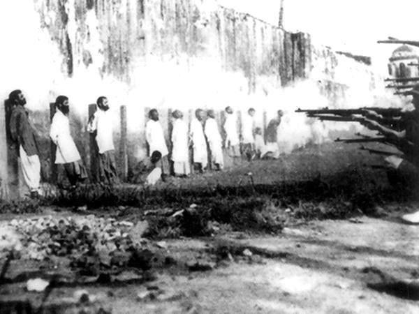 Британцы расстреливают мусульман Индии за отказ воевать с Османской империей, Первая мировая война, 1914 год