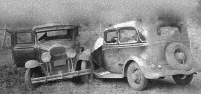 В 1895 году в штате Огайо столкнулось два автомобиля. Странность этого случая в том, что в те годы автомобильная промышленность только набирала обороты и во всём штате Огайо было всего два автомобиля.