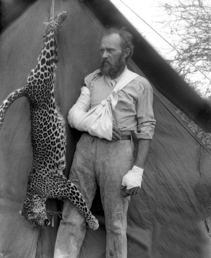 Убил леопарда голыми руками