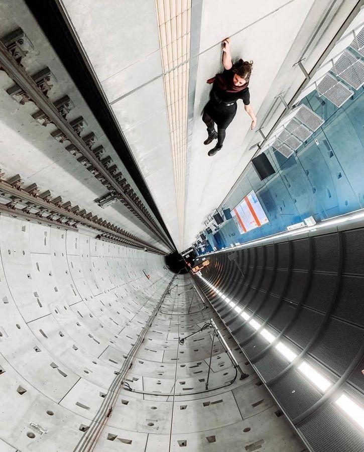 Это пол в метро. А вы что подумали?