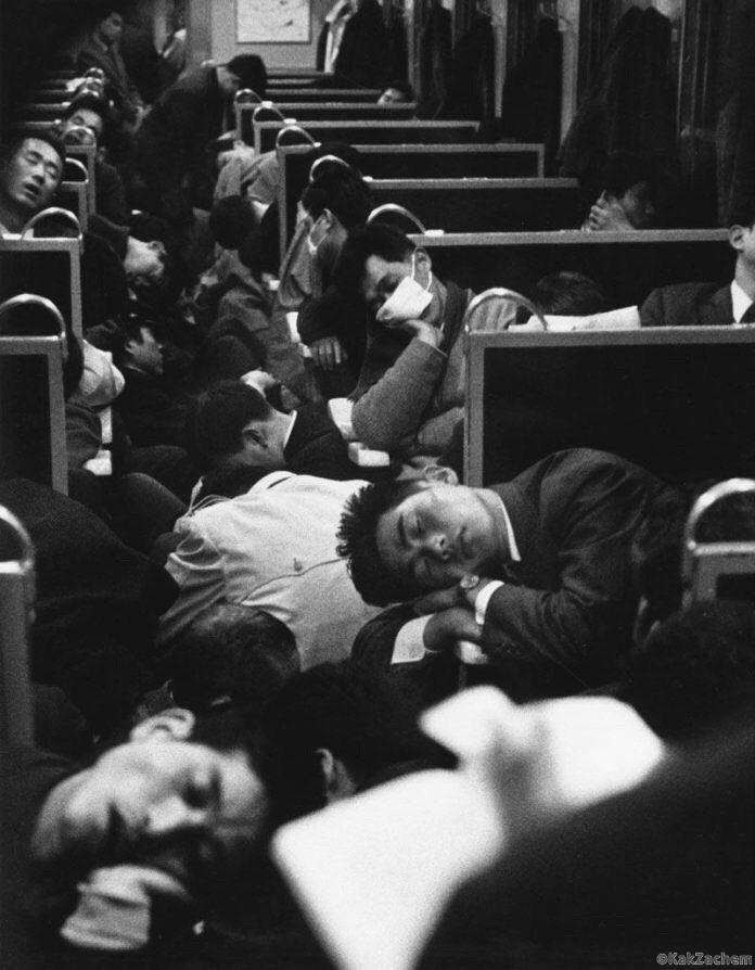 Утренний поезд, Япония, 1964 год