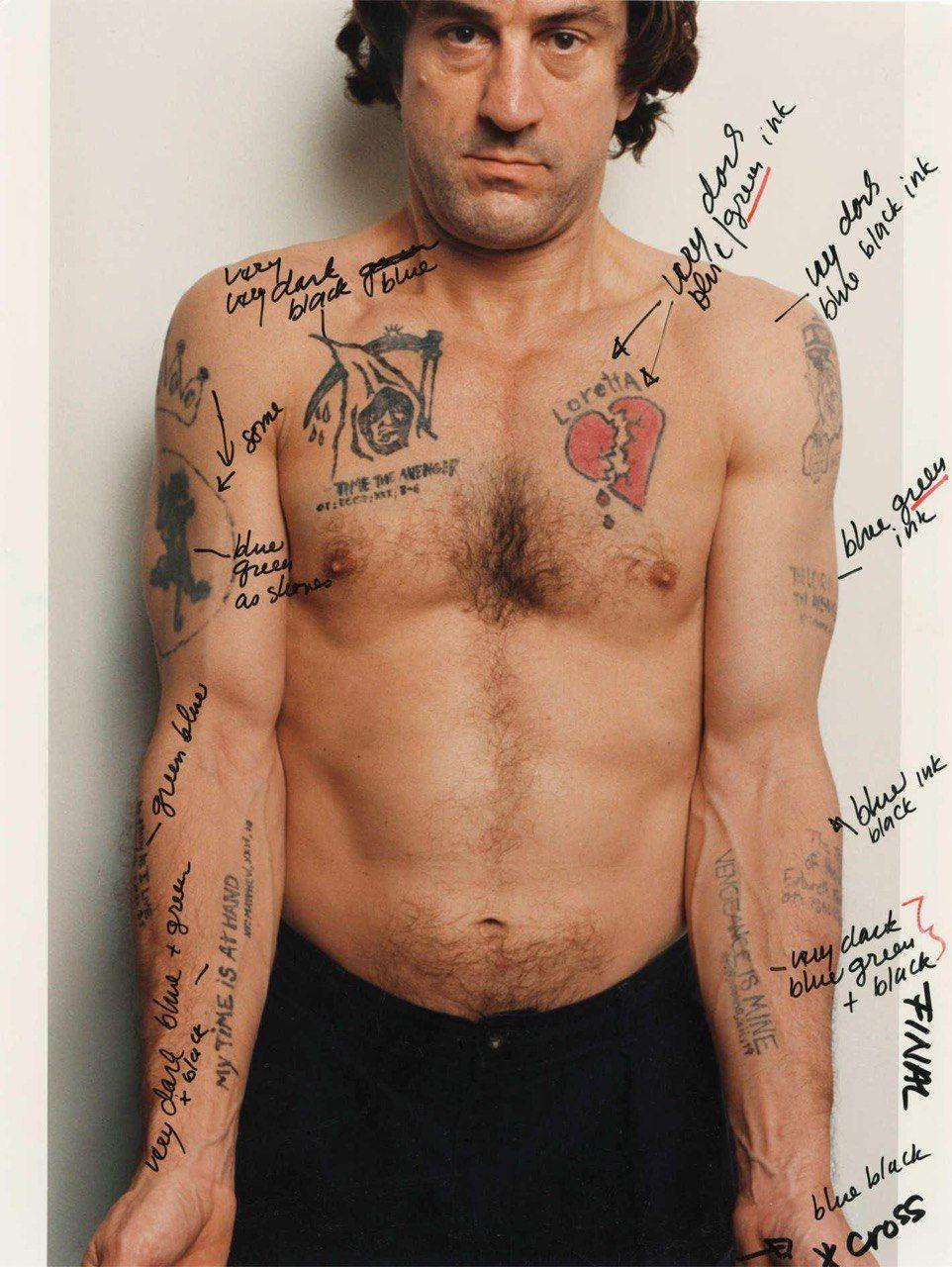 Татуировки, которые нарисовали де Ниро для роли Макса Кэйди в «Мысе страха» 1991 года. Комментарии, приписанные чёрной ручкой — уточнения режиссёра Мартина Скорсезе
