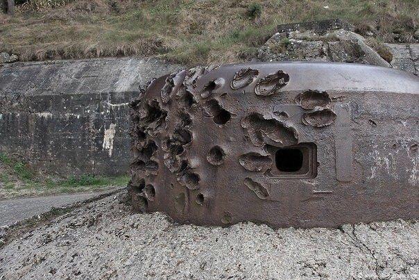 Расстрелянный пулемётный дот Второй мировой войны, Франция