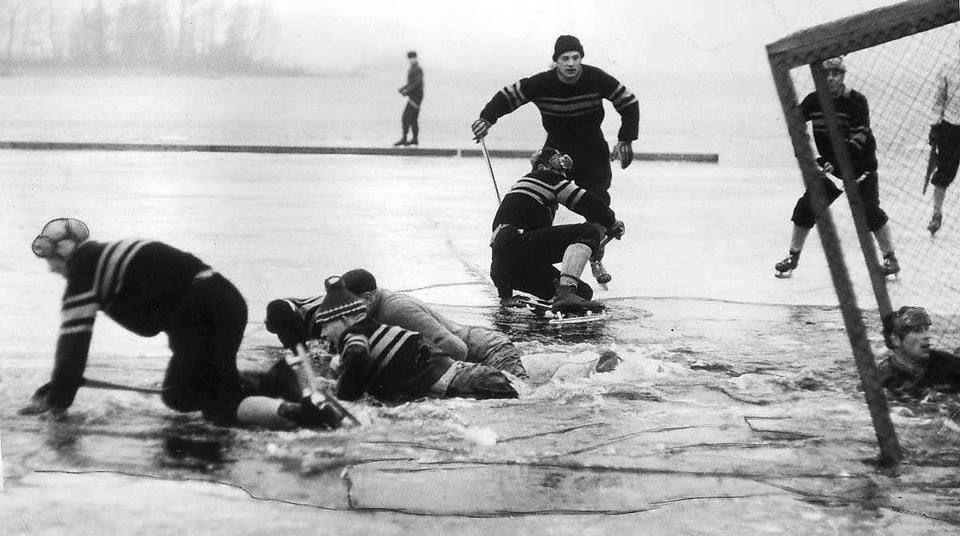 Внезапное окончание хоккейного матча в Швеции, 1959 год