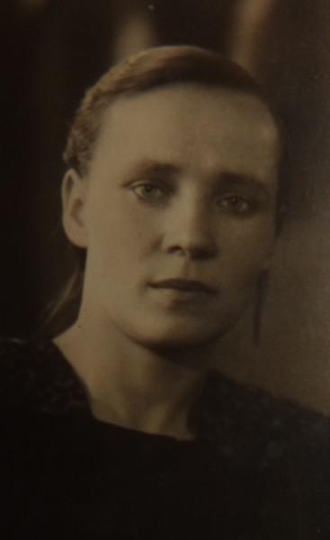 Бабушка Анастасия, 40 годы.