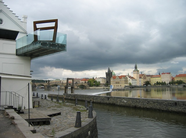 Вид на Влтаву со Стрелецкого острова. Прага, 2011.