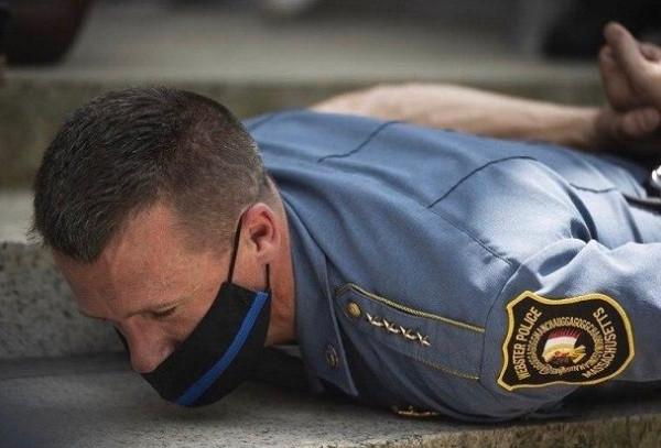 Американская трагедия. Теперь - для полиции