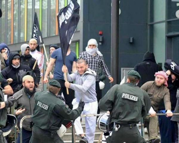 """Евросчастье. """"Беженцы"""". Вглядитесь в эти лица..."""