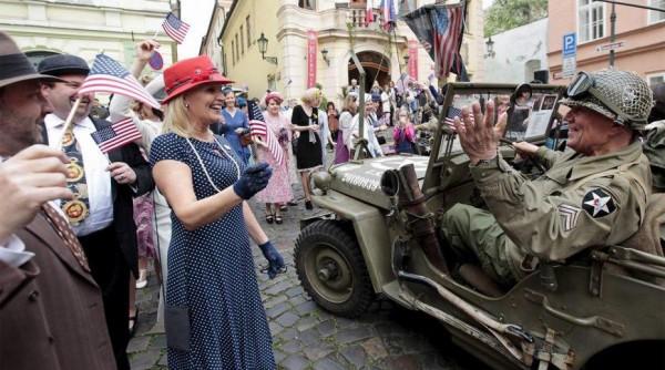 Грандиозная фальсификация в Чехии: Прагу, мол, в мае 1945-го освобождали... янки!