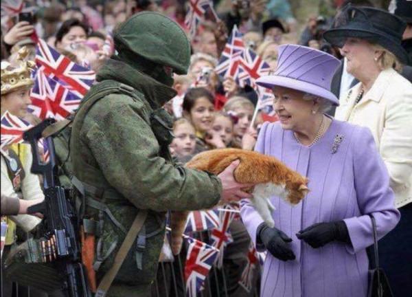 """Прикол дня. Королева Великобритании и """"вежливые люди"""""""