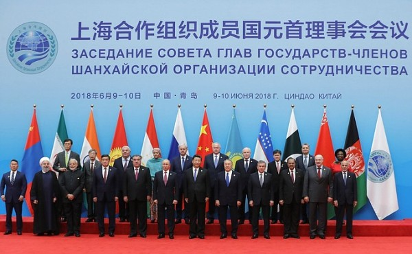 Разделяющийся Запад. Объединяющийся Восток - 2
