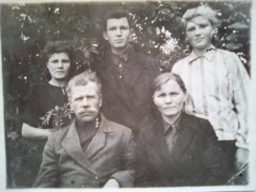 фото бабушки и дедушки (1).jpeg