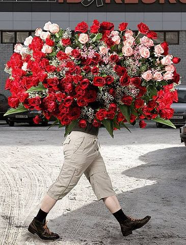 Мужик с цветами фото
