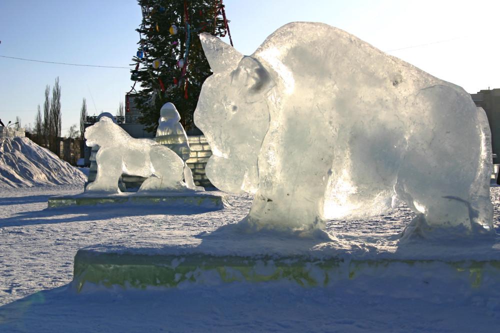 2010-01-05-IMG_9626-Салават - ледяные фигуры