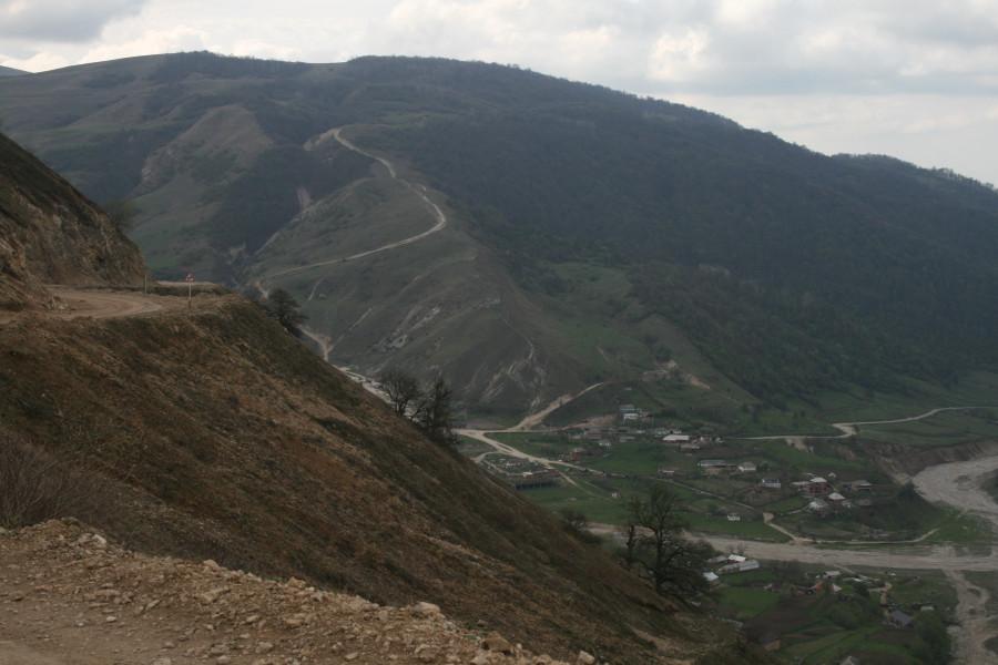 Чечня, вверх от аула Харачой.