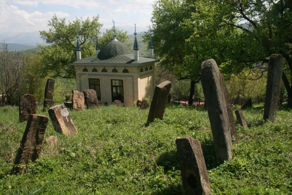 Село Гуни Веденского района, зиярат Хапты