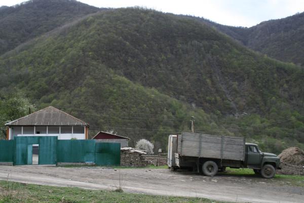 Чечня, хутор в ущелье Тазбичи