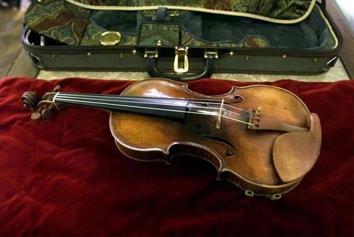 """""""Вьетан"""" - самая дорогая скрипка в мире."""