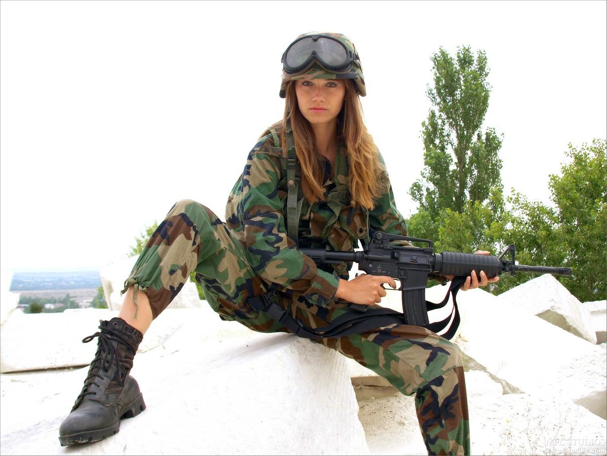 Фото военных телок 8 фотография