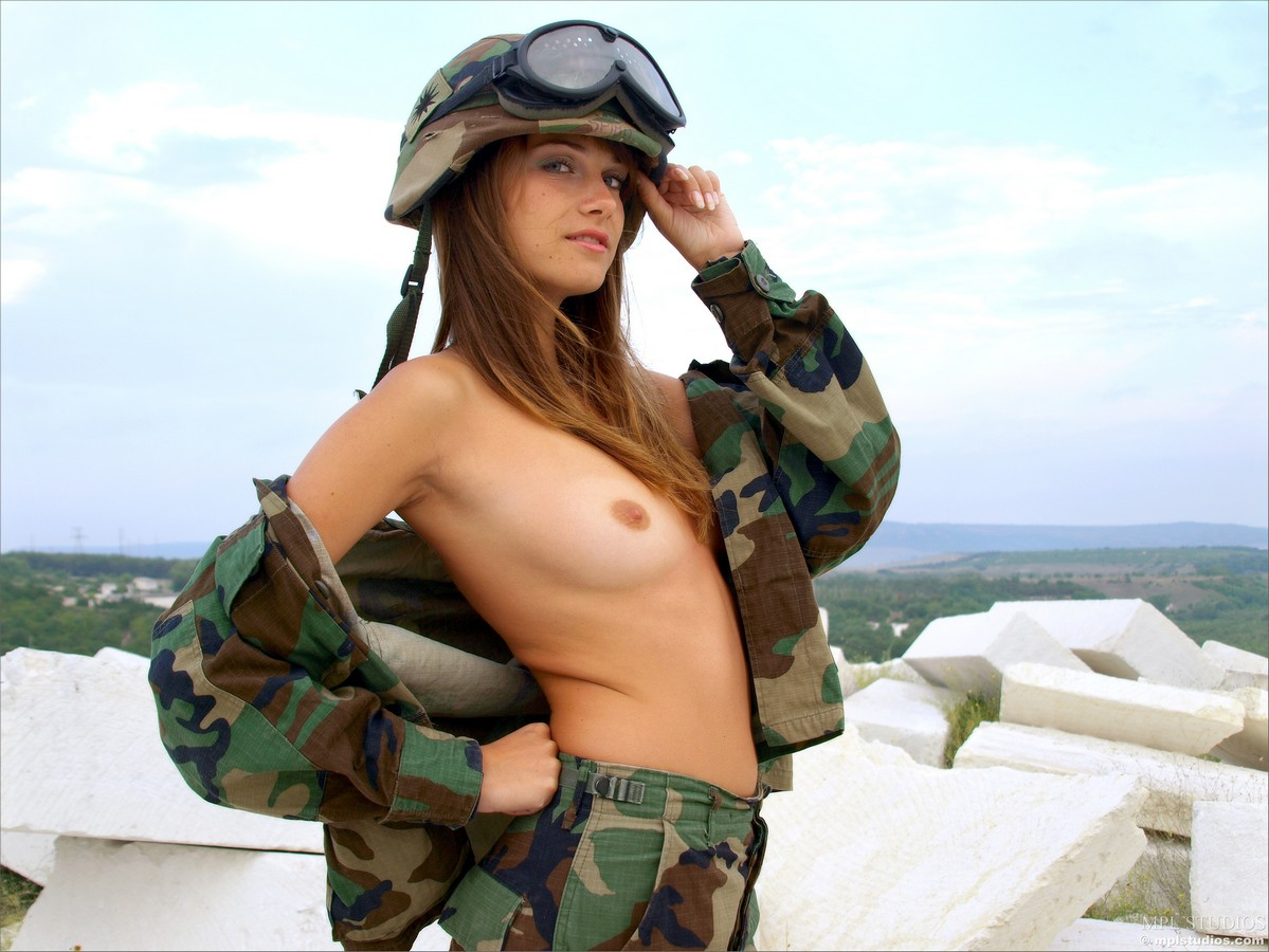 girl-soldiers-naked