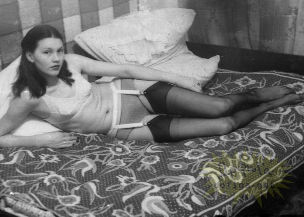 starie-foto-devushek-sssr-erotika