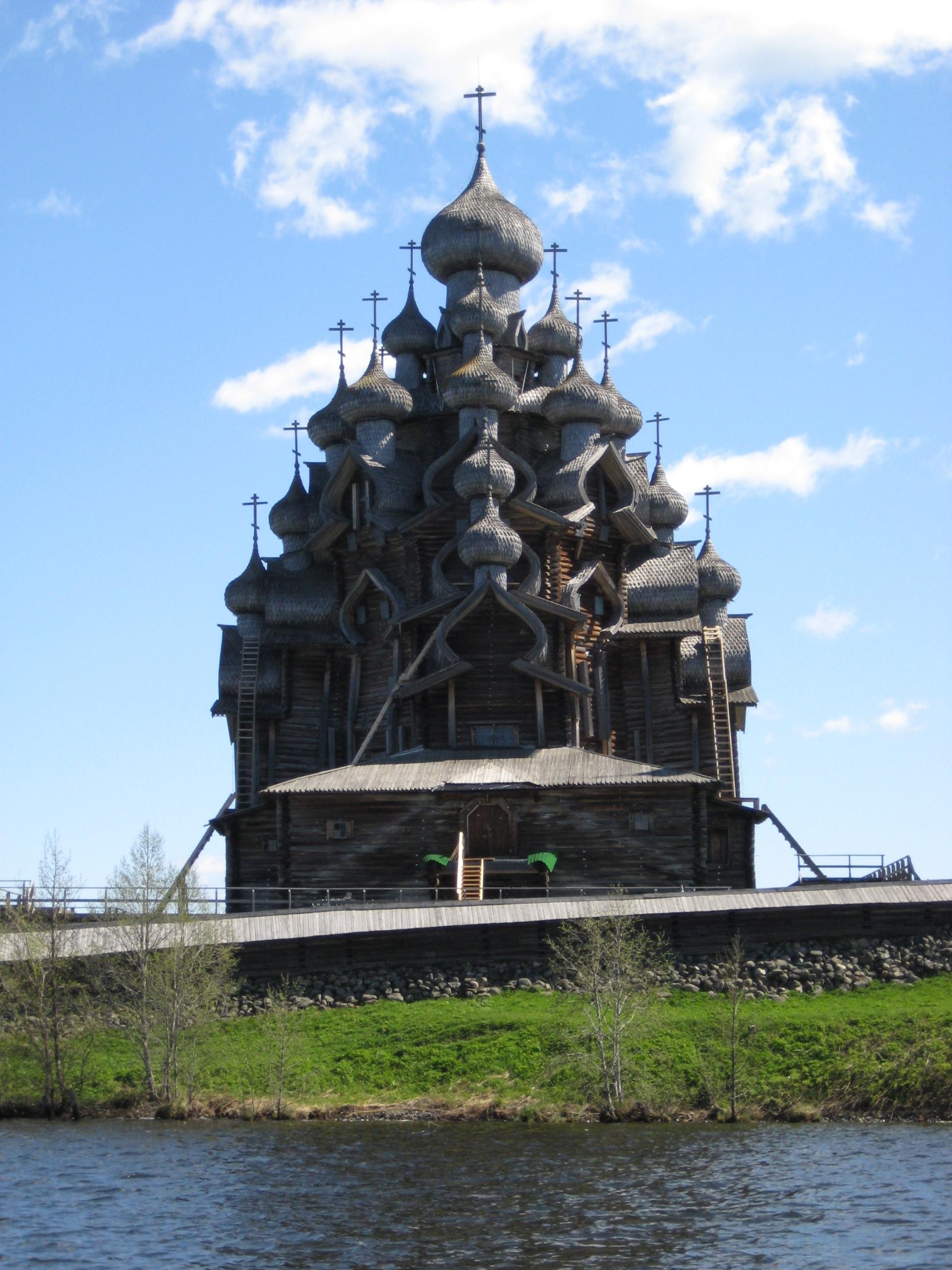Преображенская церковь в начале последней реставрации.