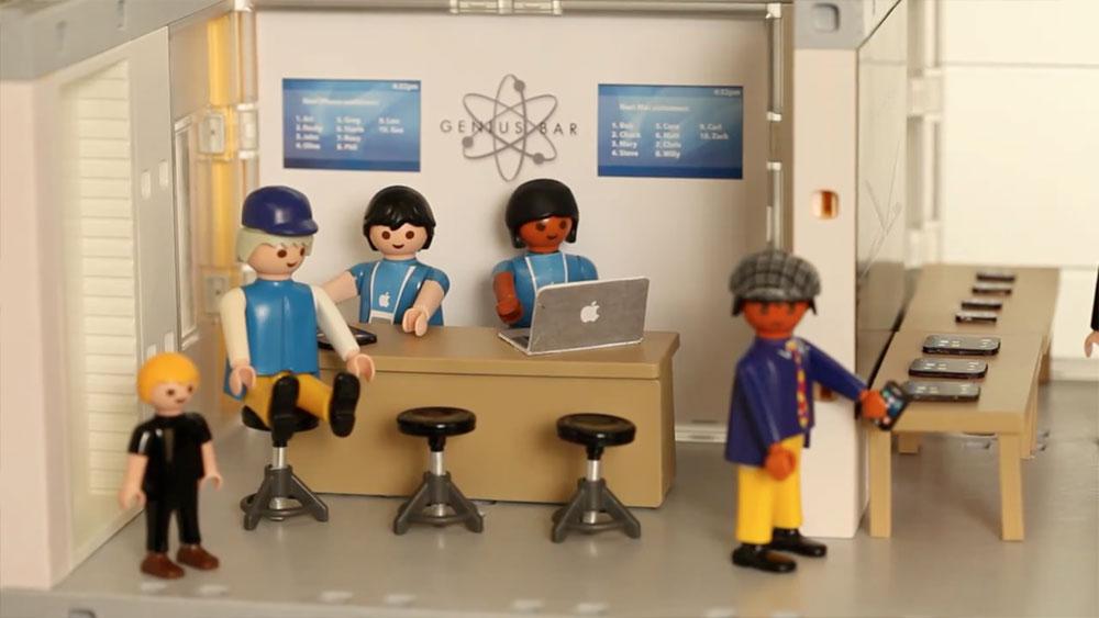 Mini-Apple-Store-Genius-Bar-Toy