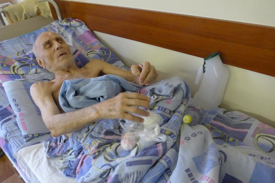 12. Состояние ветерана после снятия сапожка и катетера ухудшилось.JPG