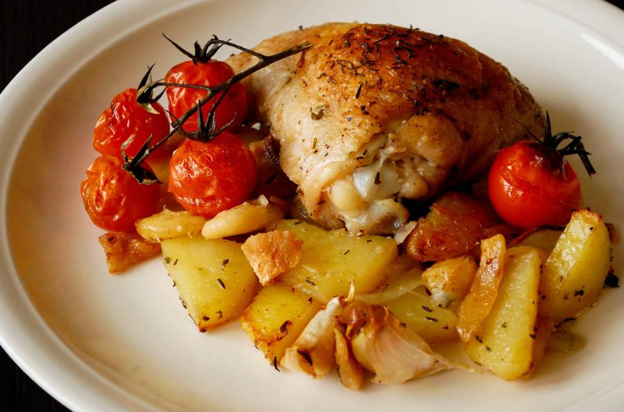 Бедрышки с картошкой в духовке рецепт в рукаве