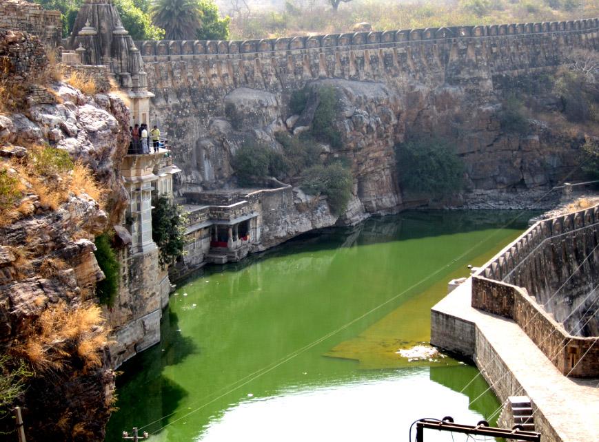 Chittorgarh_Benteng_Water