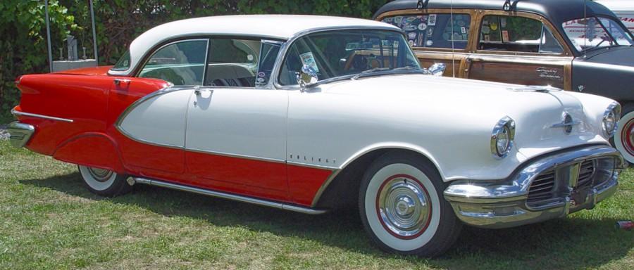 1956-Oldsmobile-Holiday-w-red-sa-sy