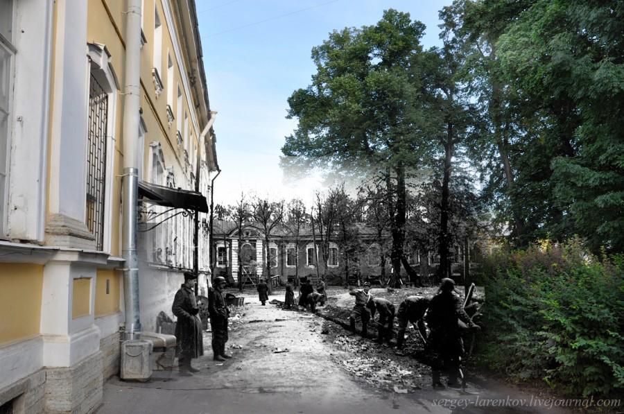 Петергоф 1942-2011 Разводная улица,3. Немецкие полицаи у отделения полиции.