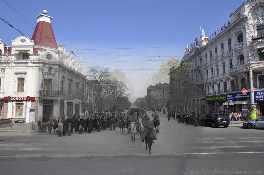 Одесса 1944/2012 Дерибасовская ул. Советская кавалерийская часть проходит по освобождённой Одессе.