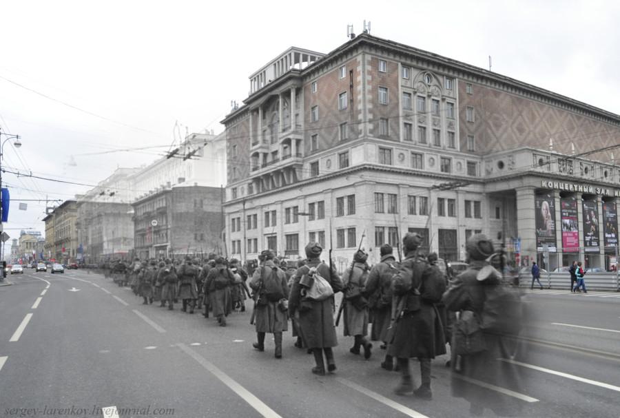 Москва 1941-2012 Тверская ул. Стрелковые роты на марше.