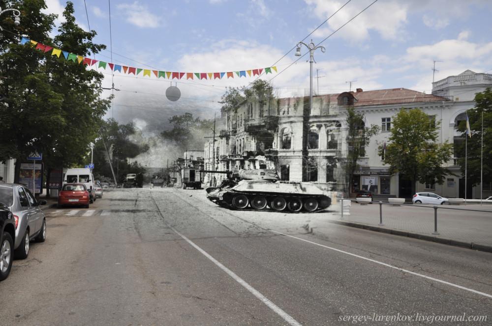 Севастополь 1944/2012 Танк Т-34-76 на пересечении ул. Ленина и ул. Мокроусова.