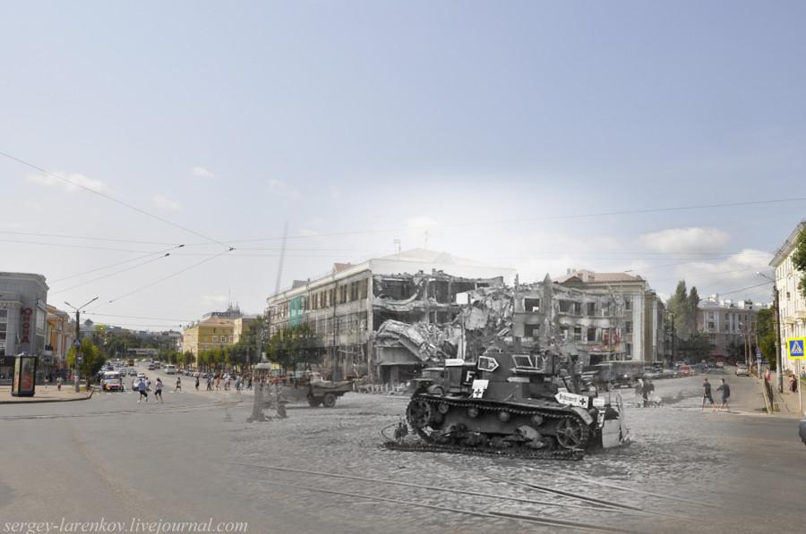 12.Смоленск 1941-2013 площадь Победы подбитый танк Т-26