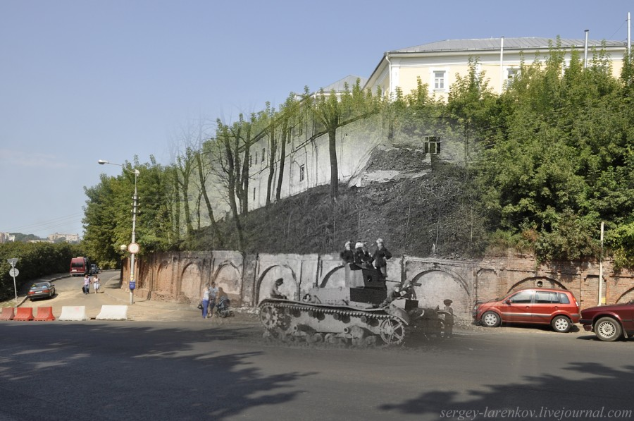 21.Смоленск 1941-2013 Большая Советская мальчишки на подбитом  танке Т-26