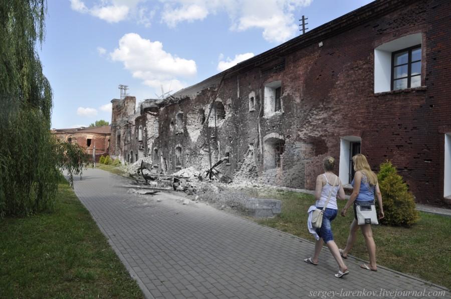 18. Брест 1941-2013  стена Кольцевой казармы sl