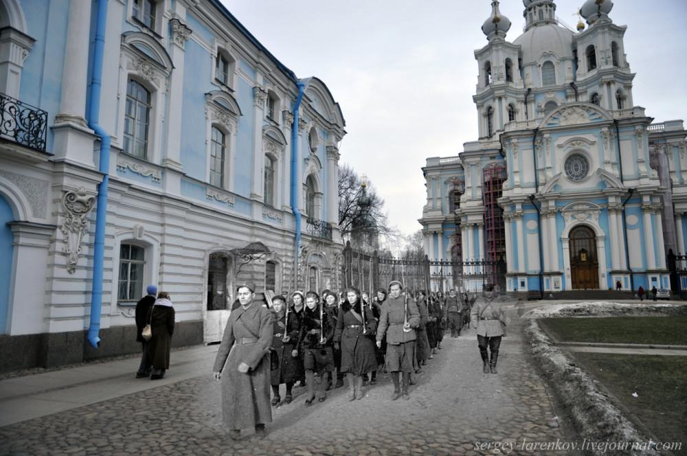 274. Ленинград 1941-2013. У Смольного собора.SL