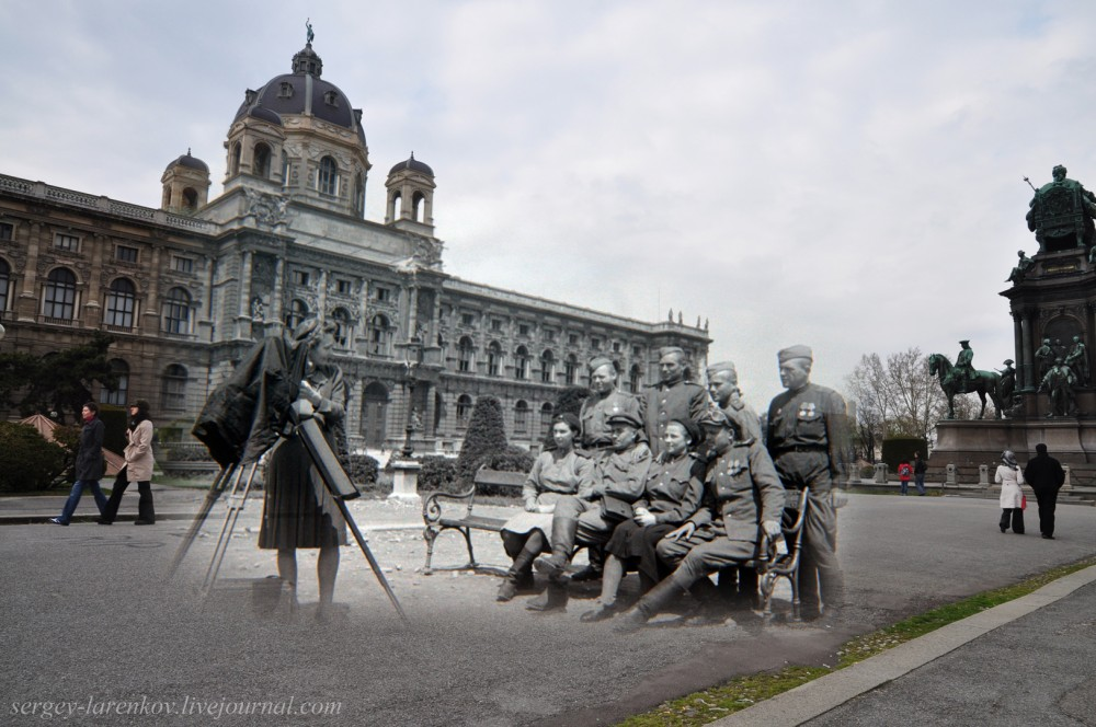 022.Вена 1945-2010 Фото на память у памятника Марии Терезе.jpg