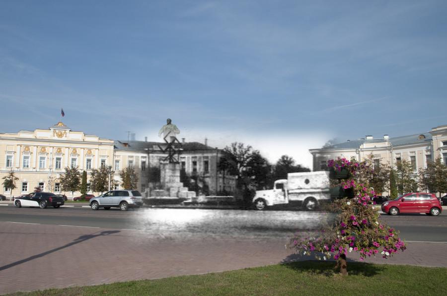 Калинин 1941-Тверь 2016 Памятник Ленину разрушенный нацистами.jpg