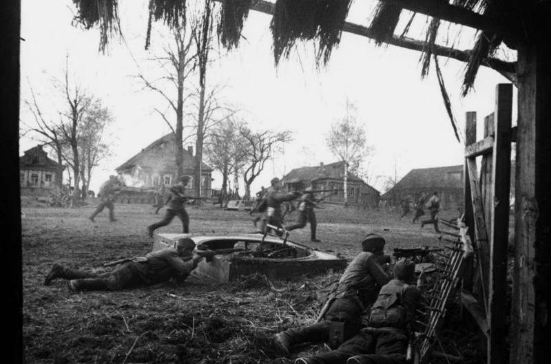 Контратака в деревне. Западный фронт.