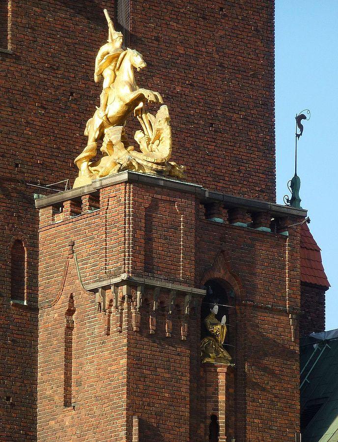 688px-Stadshuset_Jungfrutornet_2012