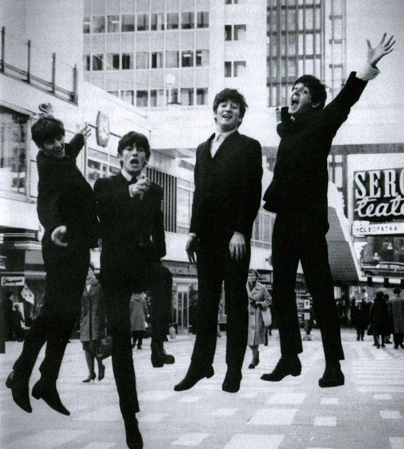 810px-The_Beatles_i_Hötorgscity_1963