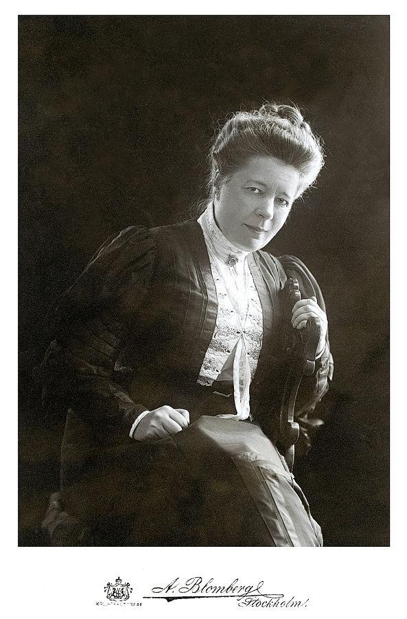 593px-A_Blomberg_-_Selma_Lagerlöf_1906