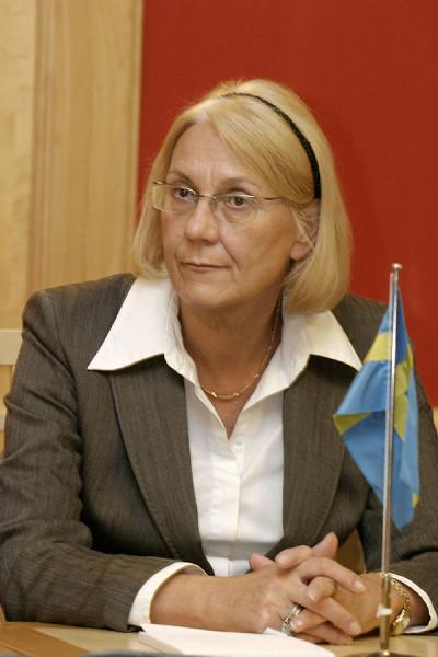 600px-Laila_Freivalds,_Sveriges_utrikesminister_(Bilden_ar_tagen_vid_Nordiska_radets_session_i_Oslo,_2003)_(1)