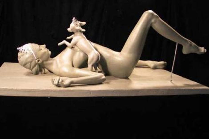 Artist Daniel Edwards Unveils Sculpture Of Nude Justin Bieber And Selena Gomez