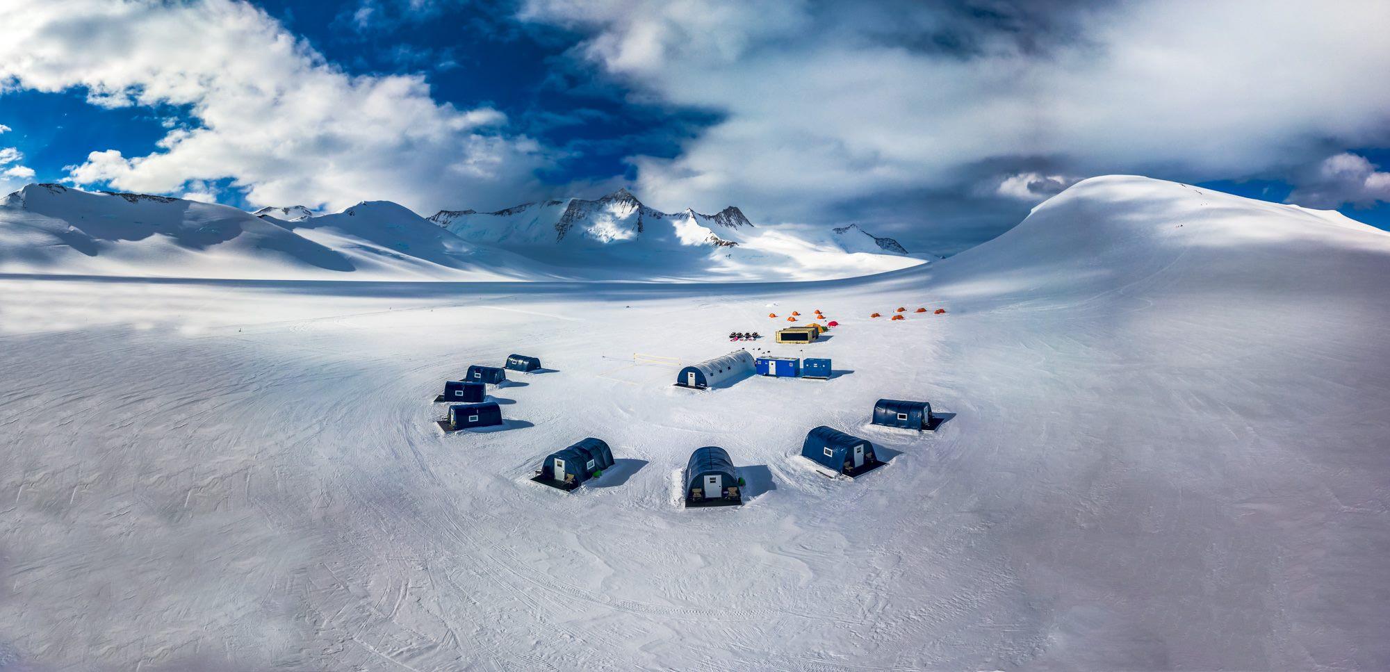 Антарктический кемпинг стоимостью $300 000 в неделю!
