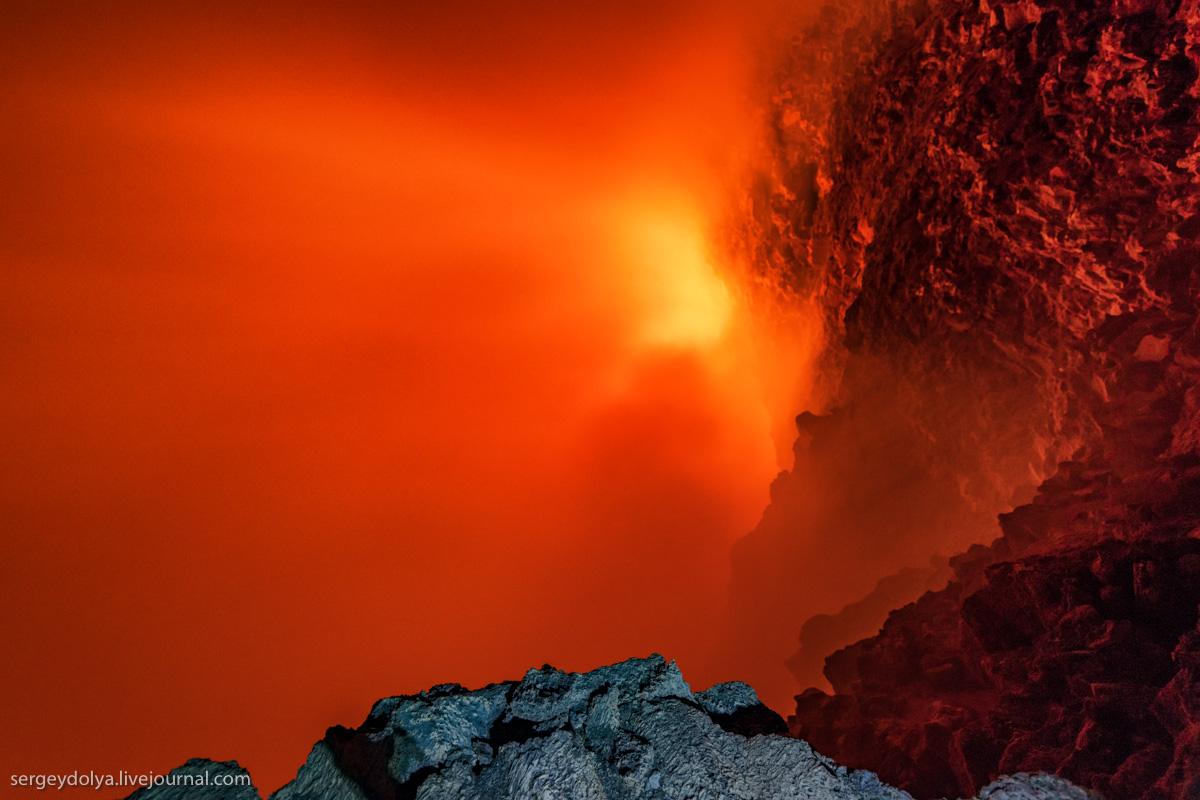 Заглянем внутрь огнедышащего вулкана?