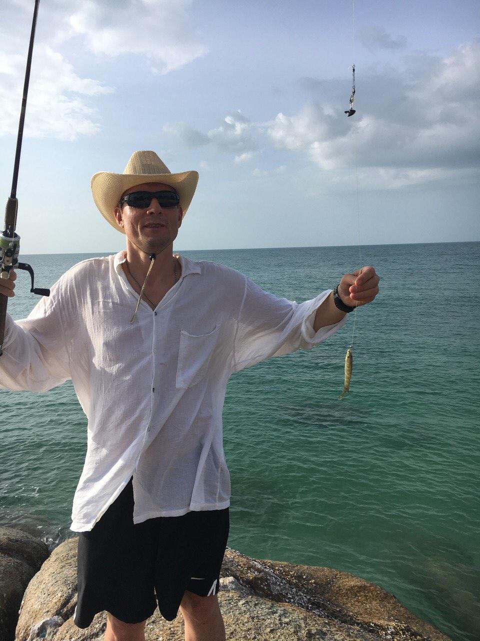 поймал рыбу на Самуи
